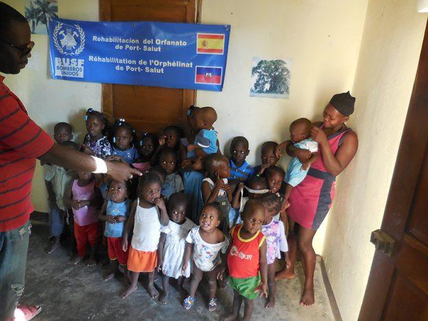 col·labaració humanitària amb BUSF a Haití i Katmandú_33